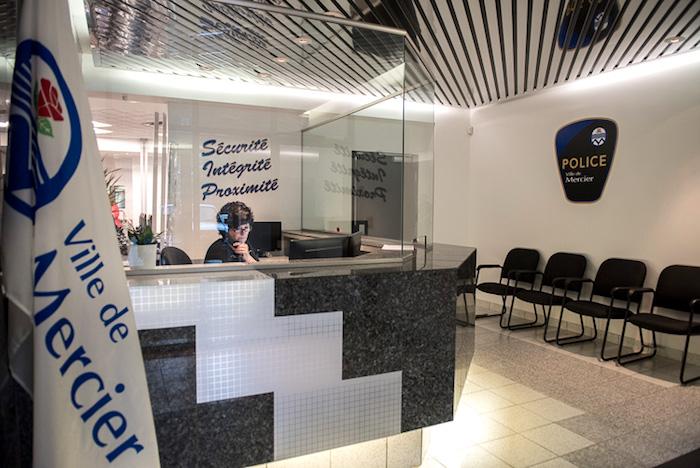 entree poste de police Mercier 17juillet2017 lancement Photo courtoisie VM