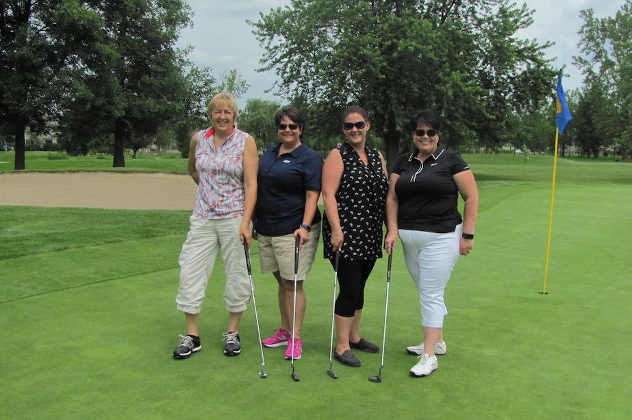 golfeuses tournoi golf COOP-GIMA 2017 a St-Remi Photo courtoisie COOP