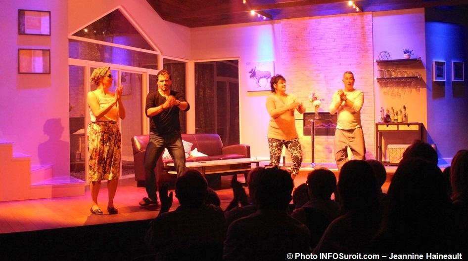 theatre-Fracas-a-Chateauguay-extrait-L_Homme_accesssoire-Photo-INFOSuroit-Jeannine_Haineault
