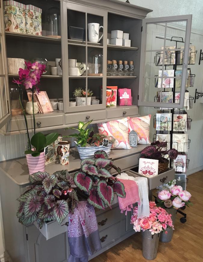 buffet cadeaux plantes vivaces fleurs de Fleur en Fille Huntingdon Photo via CLDHSL
