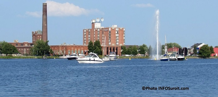hotel Plaza Valleyfield fontaine bateaux saison estivale Photo INFOSuroit