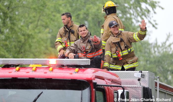 journee Pompiers Pincourt defile camions fete Photo Jean-Claude_Richard via VP