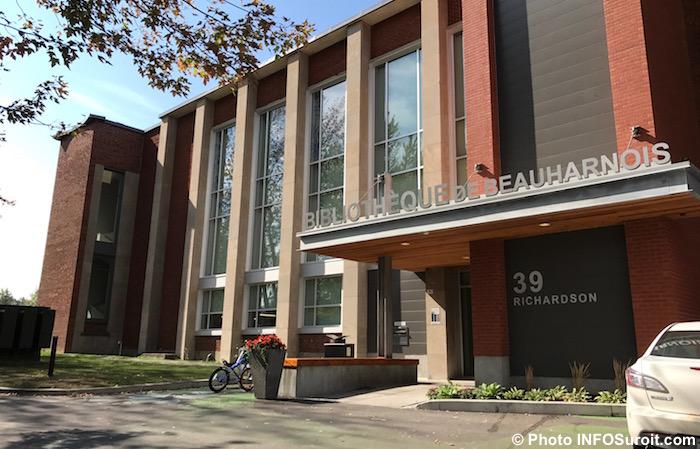 Bibliotheque Beauharnois sur la rue Richardson 27sept2017 Photo INFOSuroit