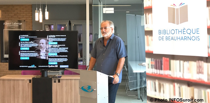 Claude_Haineault maire Beauharnois inauguration espace multimedias expostion Photo INFOSuroit