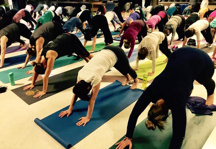 Yoga au profit Fondation Anna-Laberge 5_a_8_d_Anna jan2017 Photo FAL
