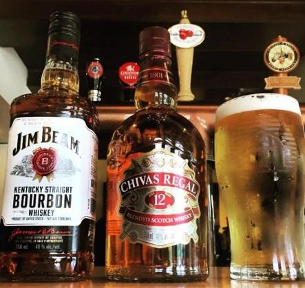 bourbon scotch biere Taverne_de_la_ferme Ormstown Photo via CLD
