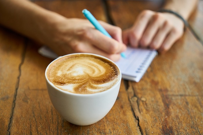 cafe note rencontre causerie Photo Engin_Akyurt via Pixabay CC0 publiee par INFOSuroit