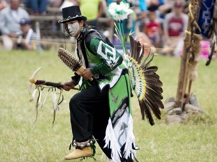 danse iroquois Photo courtoisie Tourisme Monteregie