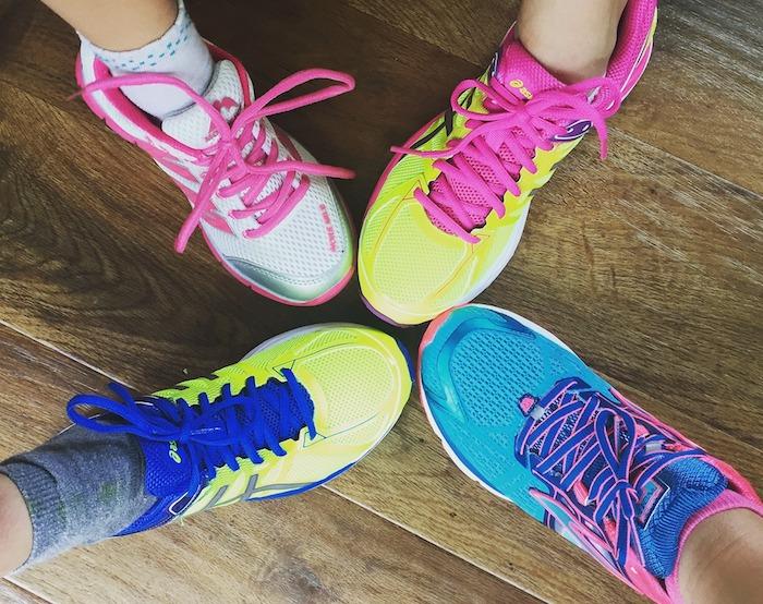 espadrilles souliers de course Photo SocialMaMag via Pixabay CC0