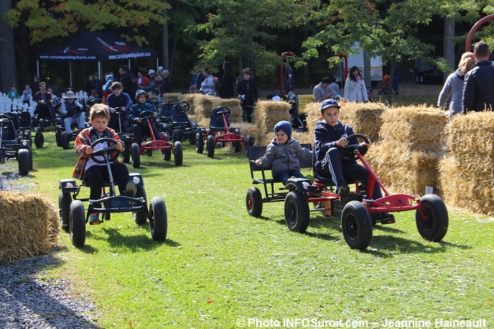 festival-Couleurs-Rigaud-gokart-a-pedales-Photo-INFOSuroit-Jeannine_Haineaul