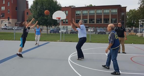 inauguration terrain basket parc Ctre communautaire Beauharnois Photo courtoisie