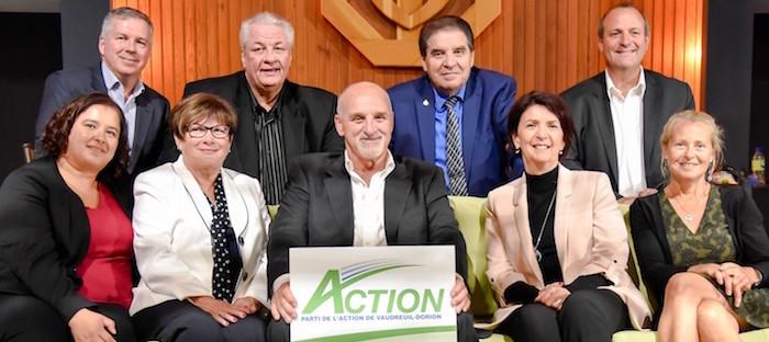 Guy_Pilon avec candidats Parti Action Vaudreuil-Dorion 28sept2017 Photo via PAVD