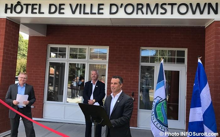 PToone CSoucy et depute StephaneBillette hotel de ville Ormstown Photo INFOSuroit