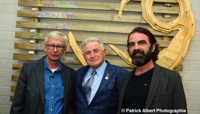 artistes RCaplette et DGuindon avec maire de Rigaud Photo Patrick_Albert