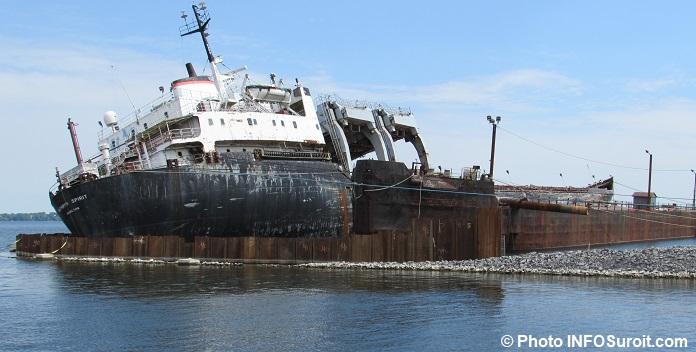 cargo Kathryn Spirit avec remblai juin 2017 Photo INFOSuroit
