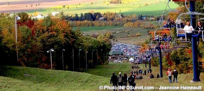 festival-des-couleurs-de-Rigaud-de-la-montagne-telesiege-Photo-INFOSuroit-Jeannine_Haineault