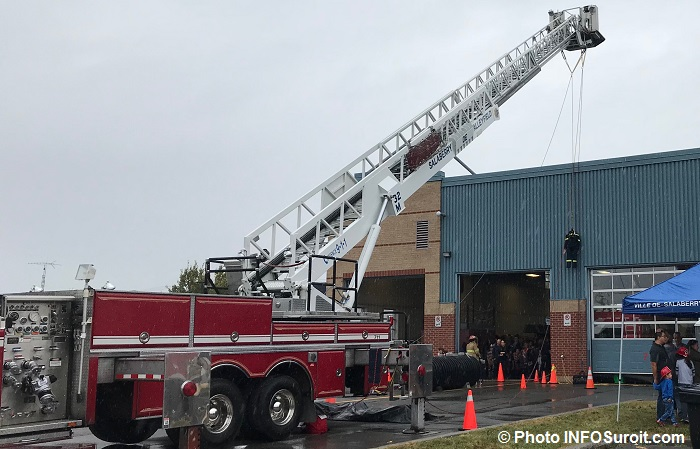 portes ouvertes caserne pompiers Valleyfield camion echelle kiosque Photo INFOSuroit