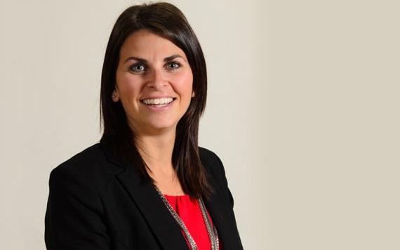 Kathleen_Favreau_OBrien premiere diplomee MBA UQTR Vaudreuil-Dorion Photo via UQTR