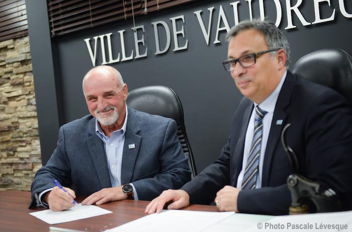 Vaudreuil-Dorion assermentation maire Guy_Pilon greffer J_St-Antoine Photo Pascale_Levesque