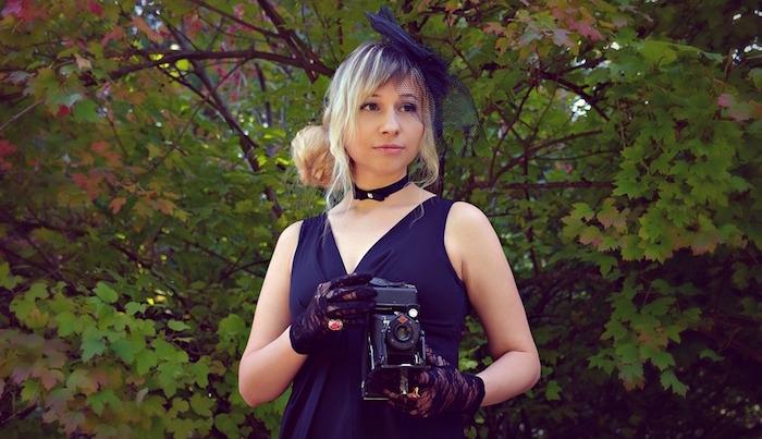bibi petit chapeau annees folles femme voile Photo Vborodinova via Pixabay CC0