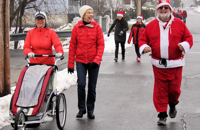 course et marche de Rudolphe a Ormstown participants famille Photo courtoisie