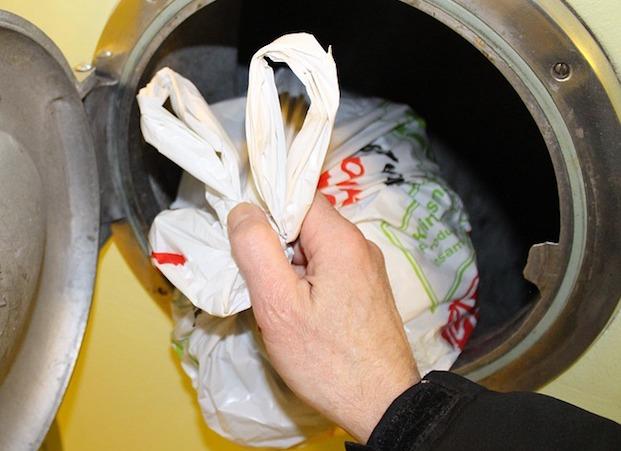 ordures poubelle dechets Photo matscato via Pixabay CC0