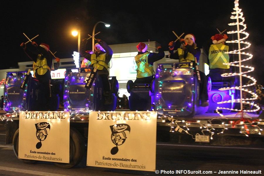 Chateauguay Histoire de Noel 2017 defile Drumline ecole des Patriotes-de-Beauharnois Photo INFOSuroit-Jeannine_Haineault