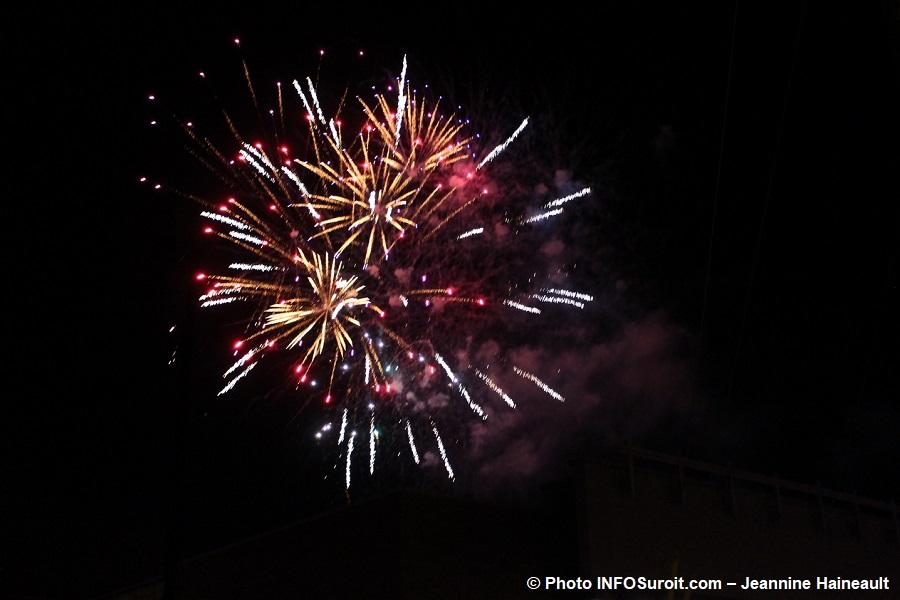 Chateauguay Histoire de Noel 2017 feu_d_artifice Photo INFOSuroit-Jeannine_Haineault