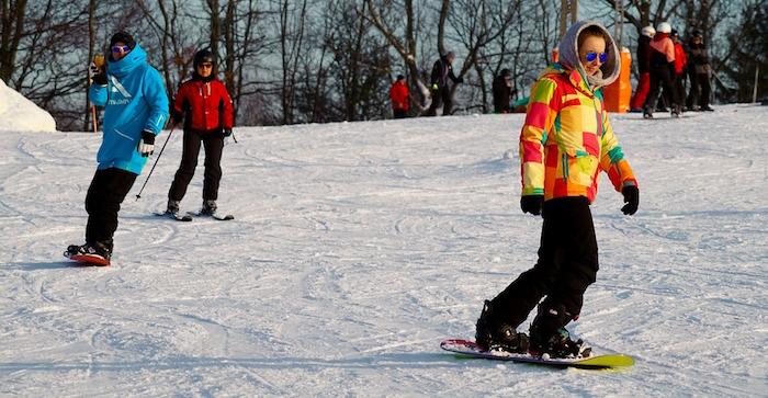 planche a neige snowboard ski alpin Photo Expresslblag sur Pixabay CC0