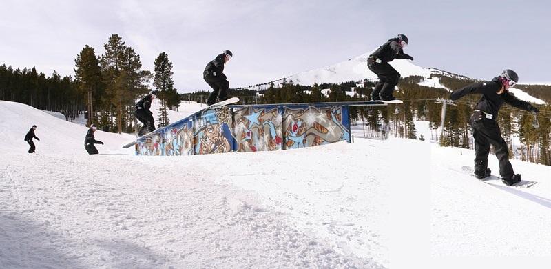 snowboarding planche a neige photo IntelligentNetWare via Pixabay CC0