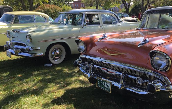 voitures anciennes exposition Valleyfield Chevrolet et Dodge Photo courtoisie Fondation Hopital