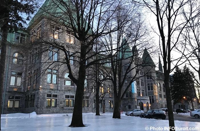 College de Valleyfield facade rue Champlain hiver 2018 photo INFOSuroit