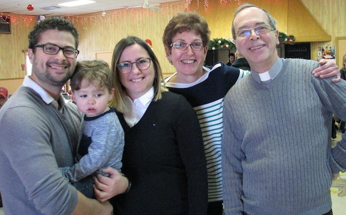 Miguel_Lemieux maire avec famille et responsables du diner Soeur Thomas 2018 dont abbe Normand_Bergeron photo via ED