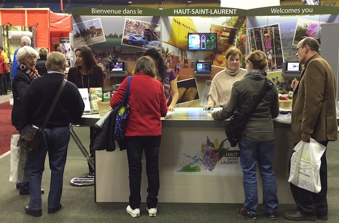 Tourisme Haut-Saint-Laurent kiosque Salon Expohabitation photo courtoisie CLD