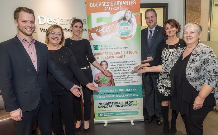 membres jury et partenaires concours bourses etudes Desjardins Vaudreuil-Soulanges photo courtoisie publiee par INFOSuroit