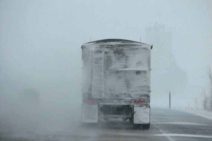 neige tempete visibilite route camion photo PublicDomainPictures via Pixabay CC0 et INFOSuroit