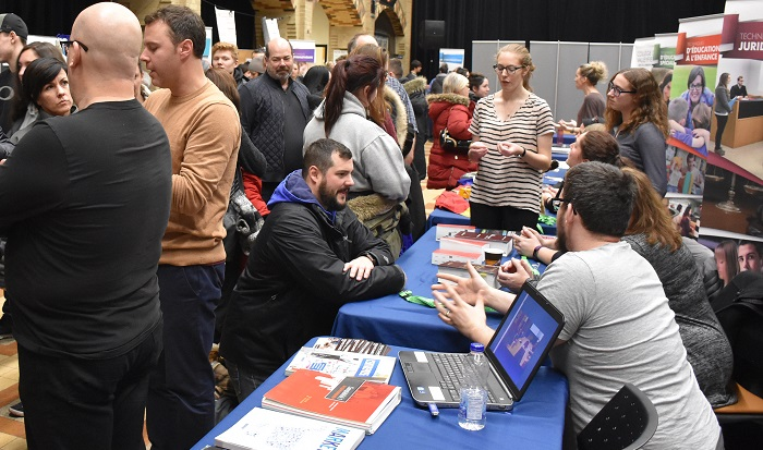 College Valleyfield Portes ouvertes janvier Salon Exposants photo ColVal via INFOSuroit
