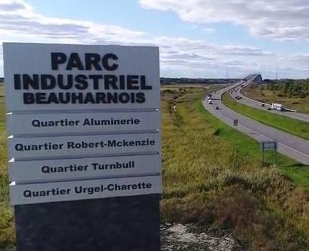 enseigne-parc-industriel-quartiers-extrait-YouTube-Bilan-2017-realisations-Ville-de-Beauharnois