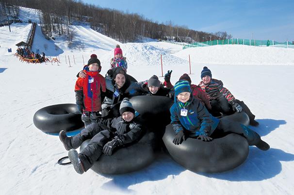 glissade hiver neige jeunes relache scolaire photo Ville Chateauguay publiee par INFOSuroit