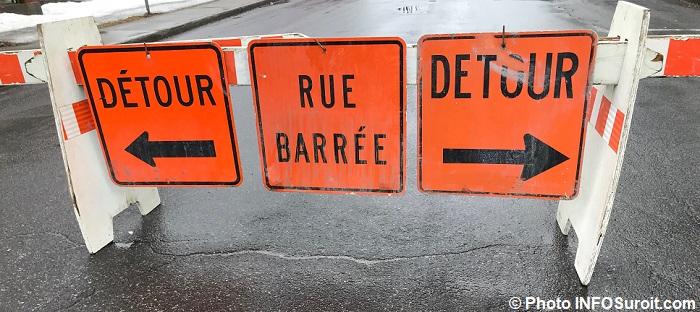 panneaux detour rue barree detour fev2018 Photo INFOSuroit