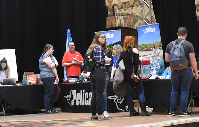 College Valleyfield Salon Emploi-Jeunesse 2018 kiosque Pelican photo via ColVal