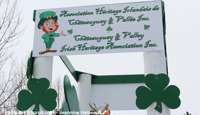 Defile St-Patrick Chateauguay affiche Association Heritage Irlandaise photo INFOSuroit-Jeannine_Haineault
