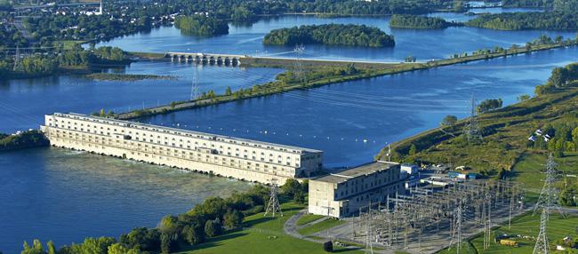 centrale-des-cedres-2014-et-digue-pres-parc-regional-des-iles-de-St-Timothee-photo-courtoisie-Hydro-Quebec