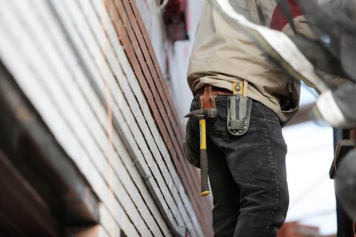 construction renovation travailleur mur exterieur maison photo Life-O-Pix via Pixabay CC0 et INFOSuroit