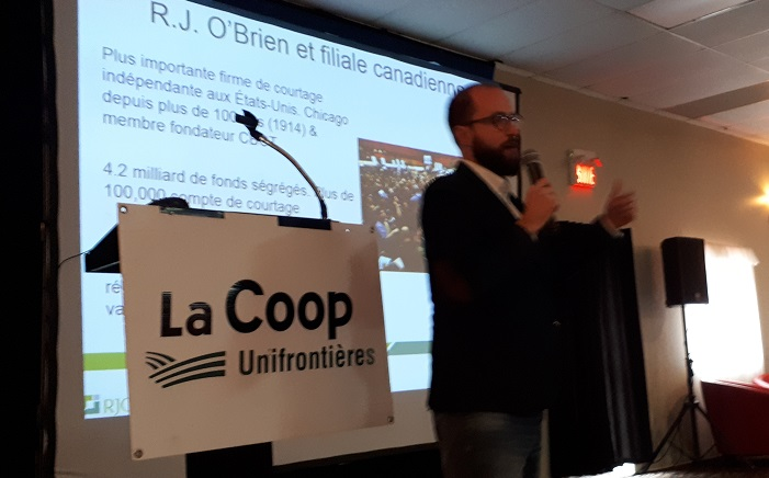 AGA Coop Unifrontieres avril2018 presentation Simon_Briere photo courtoisie Coop