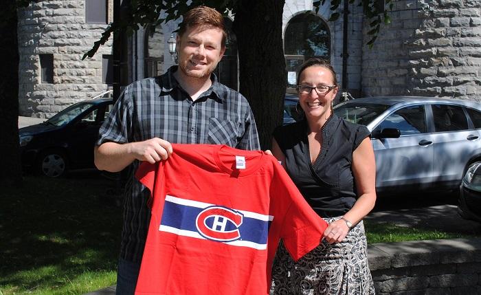Alexandre Legault gagnant Pool hockey 2016 avec Mireille Theoret Fondation College Valleyfield