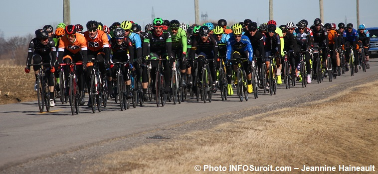 Grand prix cycliste Ste-Martine 2018 velo course cyclistes photo INFOSuroit-Jeannine_Haineault