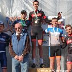 Grand prix cycliste Ste-Martine 2018 velo podium hommes avec MLaberge mairesse photo INFOSuroit-Jeannine_Haineault