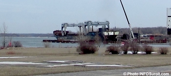 le vieux cargo Kathryn Spirit en demolition a Beauharnois 3avril2018 Photo INFOSuroit
