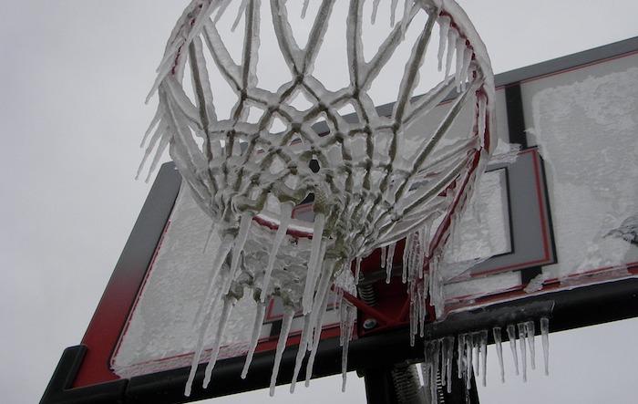 pluie verglacante panier basket glace hiver photo CPlo via Pixabay CC0 et INFOSuroit